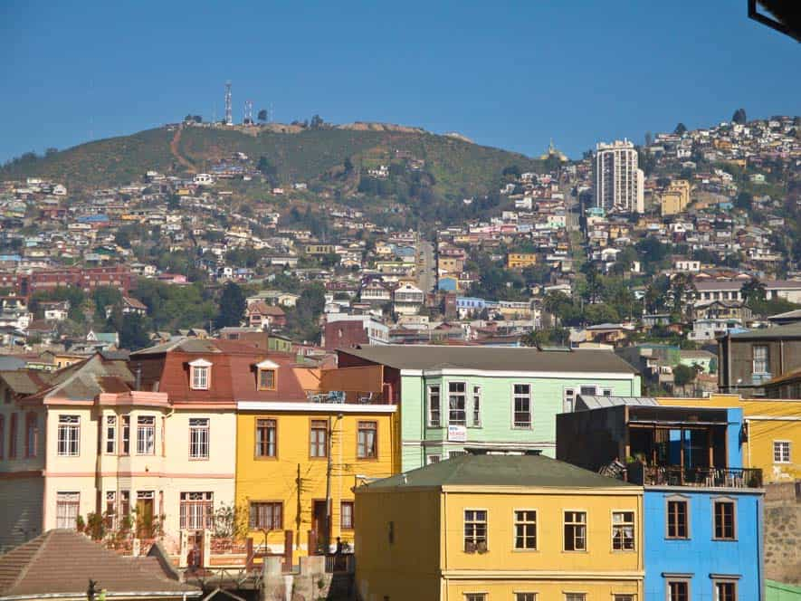Színes házak a domboldalon, Valparaíso