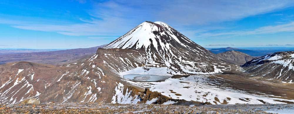 A Ngauruhoe-hegy (a Végzet-hegye) a Tongariro Nemzeti Parkban