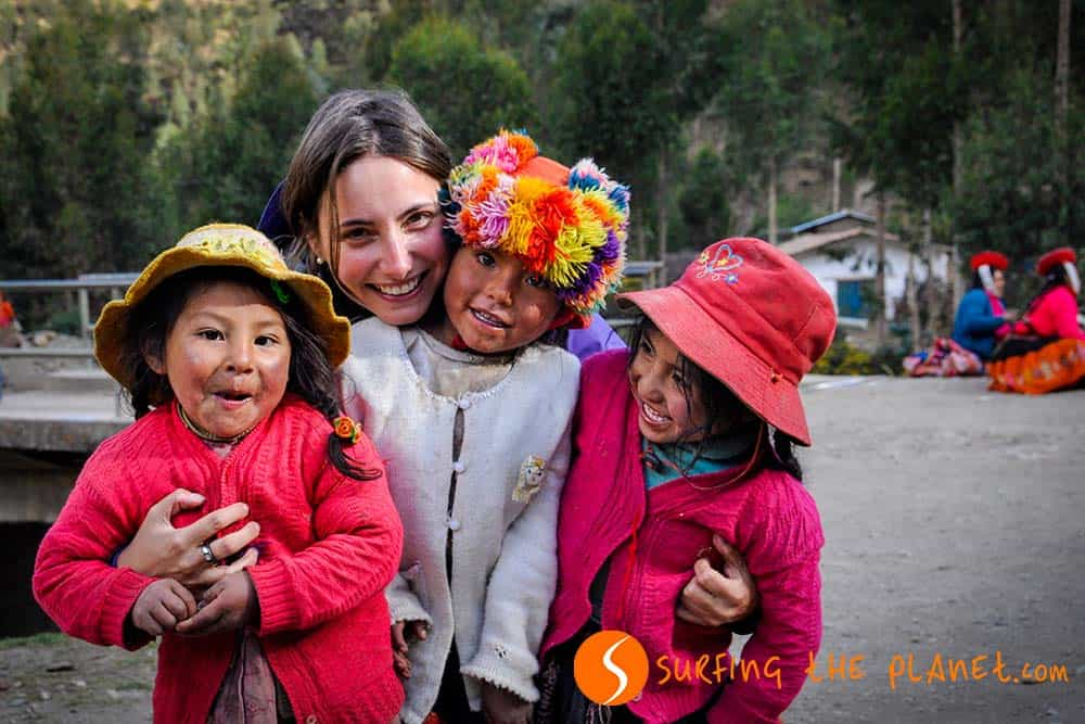 Playing with little Quechua girls