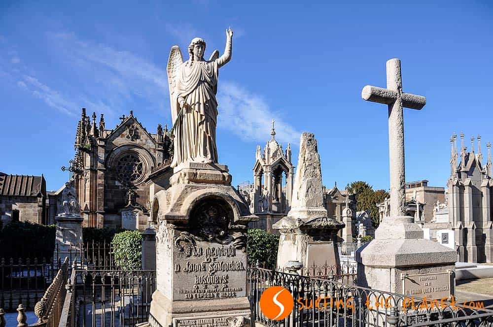 Monuments in Poble Nou Cemetery