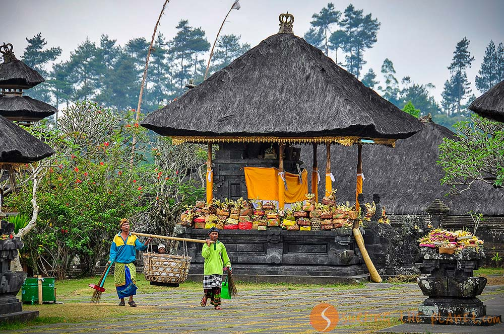 Temples with offers for the full moon ceremony in Bali