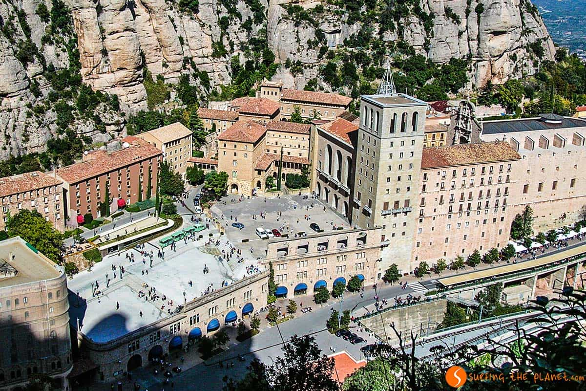 Monastero Montserrat dall'alto