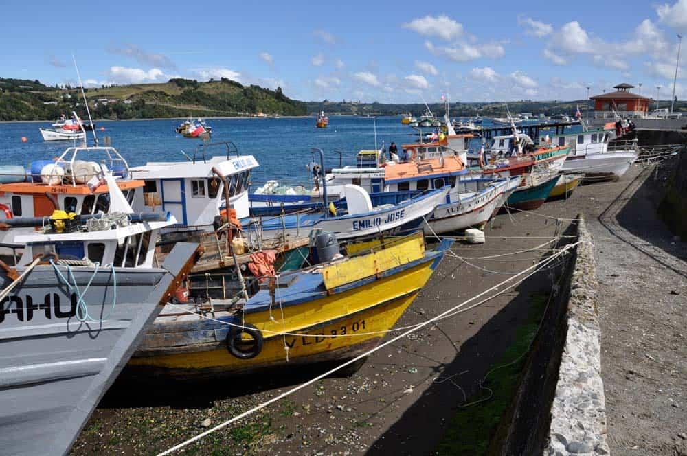 Barcos esperando, Dalcahue, Isla Chiloé, Chile