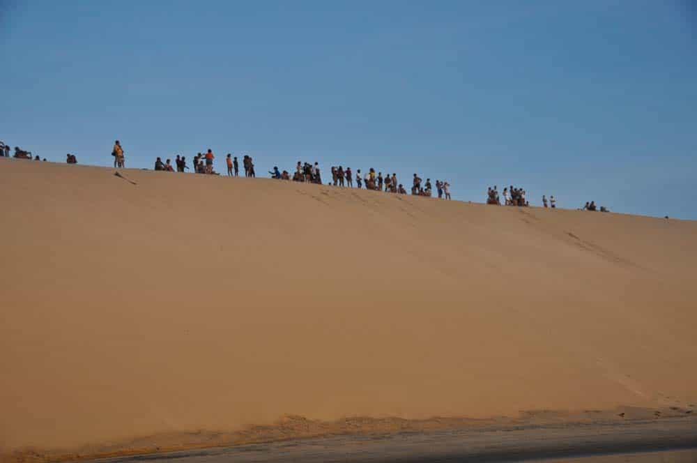 Gente esperando la puesta del sol, Jericoacoara, Brasil
