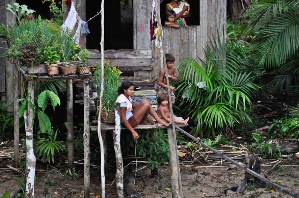 Famiglia nell'amazzonia