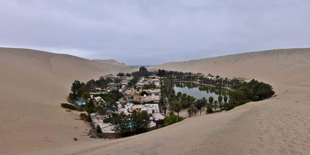 Oasis, El desierto de La Huacachina, Perú