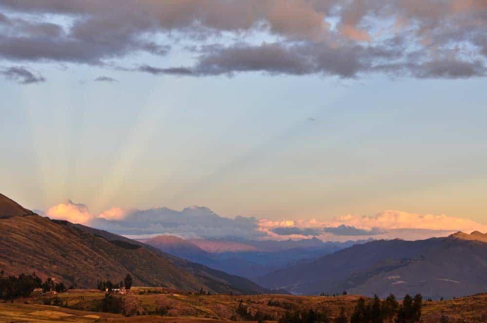 Puesta de sol en el valle sagrado, Perú