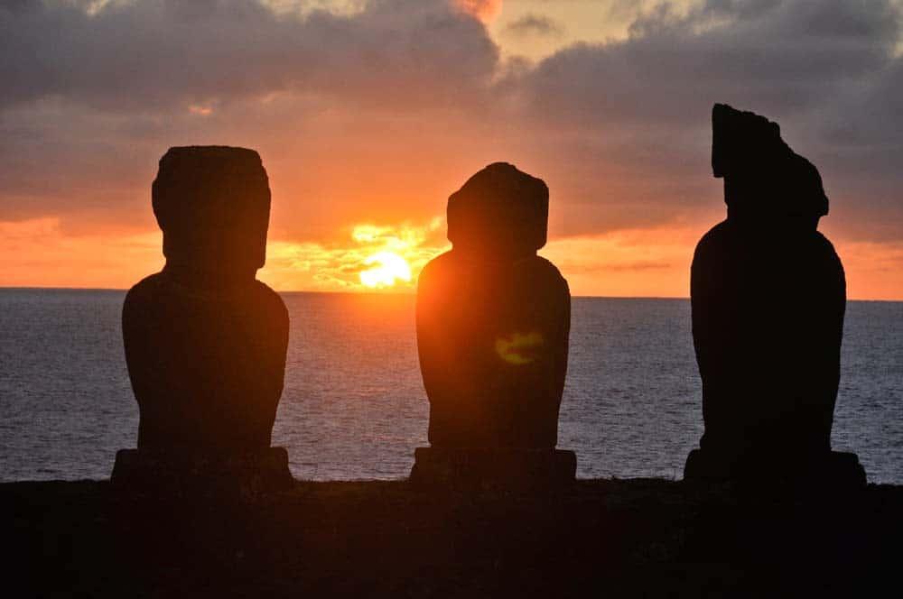 Puesta del sol, Tahai, isla de Pascua, Chile