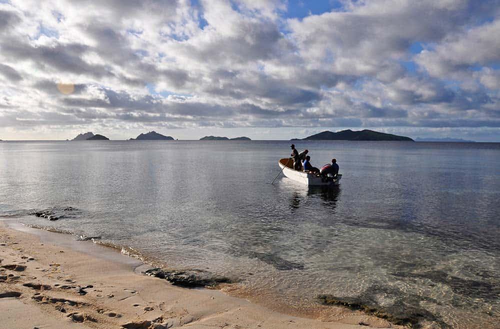 Persone delle isole figi pescando | Viaggiare a Figi
