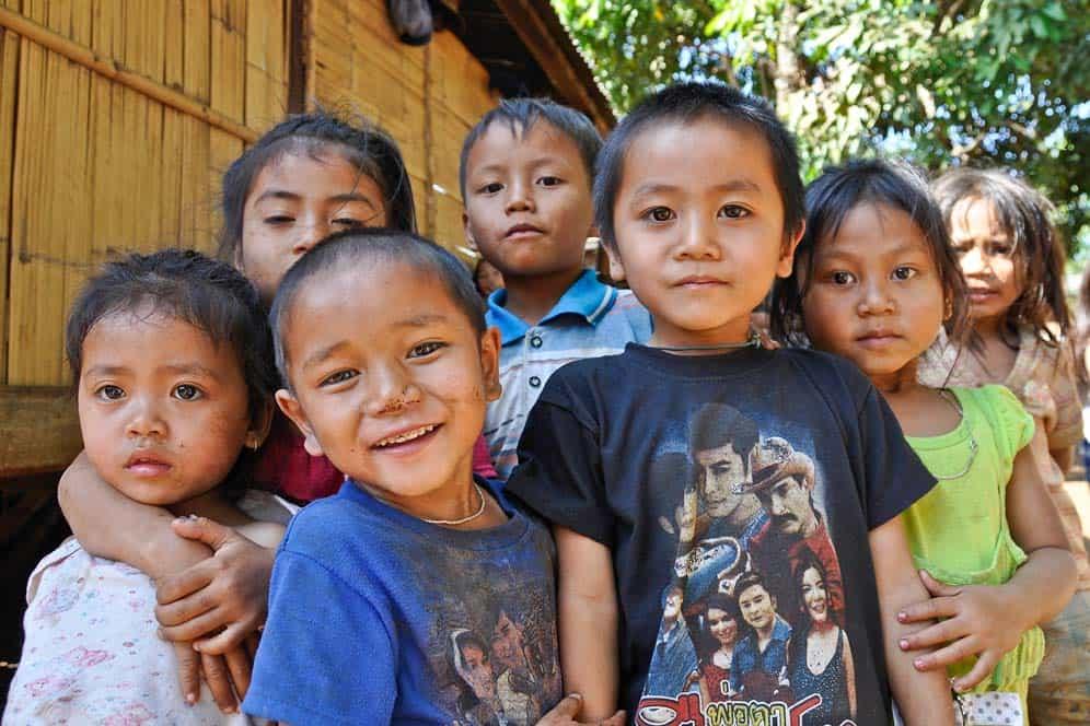 Bambini del Laos