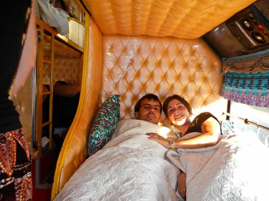 Bus notturno nel Laos