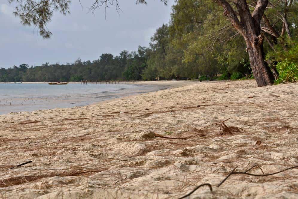 Playa tranquila, isla de Koh Ta Kiev, Camboya