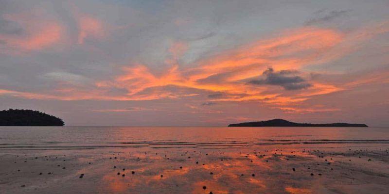 Puesta de sol en Koh Ta Kiev mejor playa de Camboya