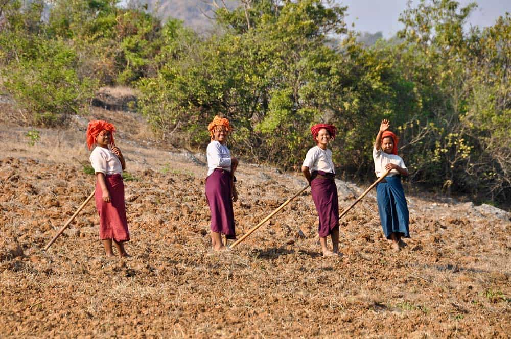 Burmese women working