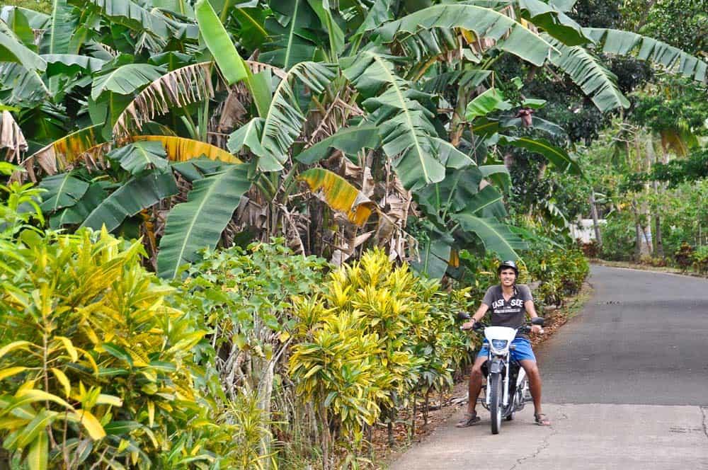 Excursión en moto, Camotes, Filipinas