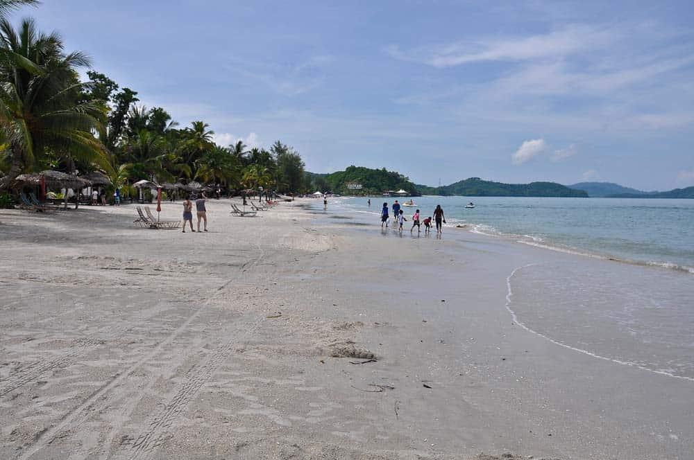 Spiaggia Cenang a Lagkawi | Viaggio in Malesia