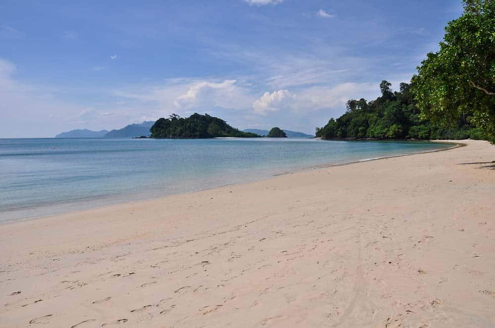 Spiaggia Baia Datai isola di Lagkawi | Viaggio in Malesia