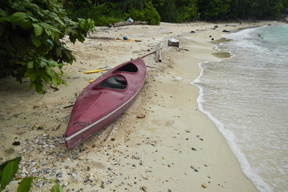 Avventura in kayak nella spiaggia Quiet Beach a Perhentian Kecil, | Viaggio in Malesia