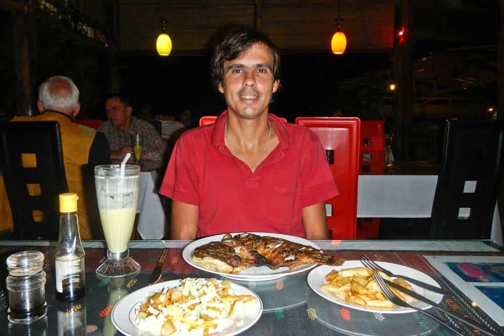 Cena di compleanno di Gabor nel Lago Toba a Sumatra | Viaggio Indonesia
