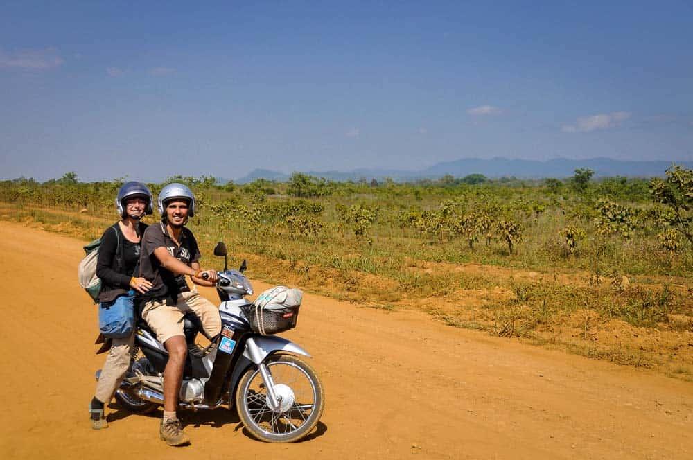 Viajando en moto en Laos