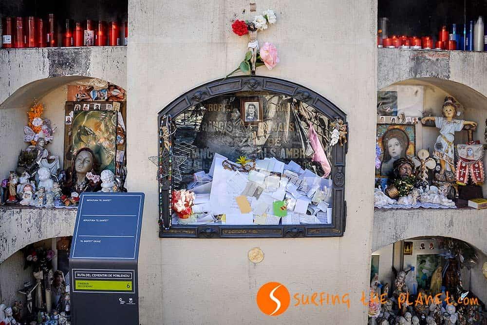 La tumba del Santet en el cementerio Poblenou
