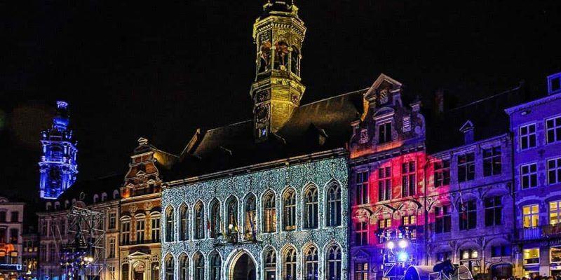 Visitar Mons - Grande Place de noche