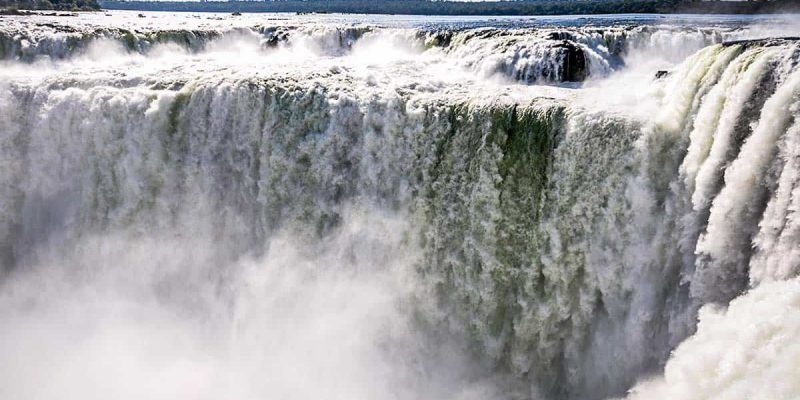 What to see in Iguazu Falls - The Power of the Devil's Throat