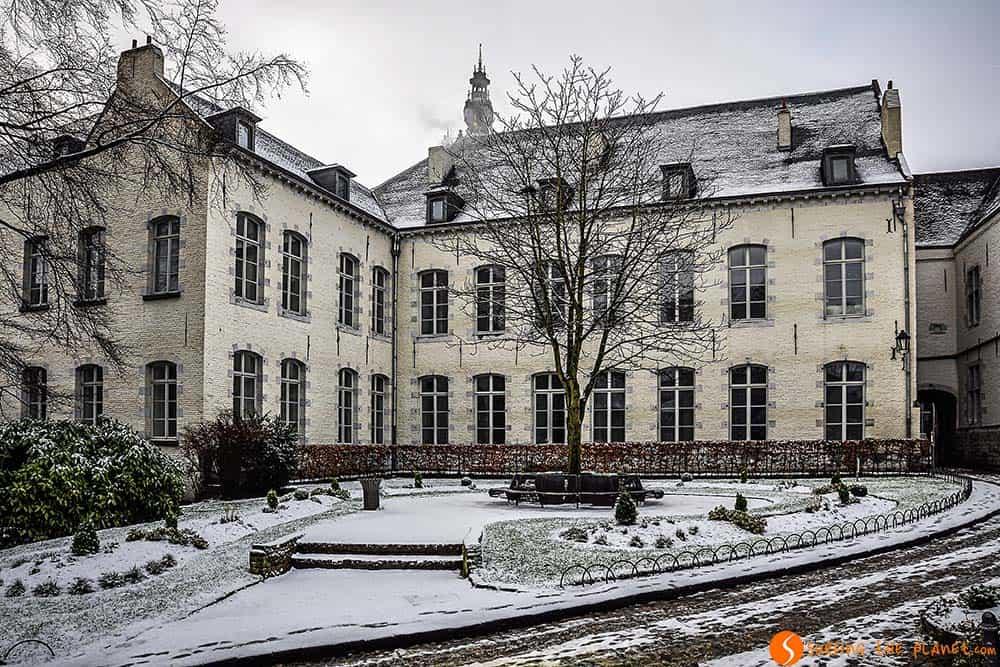 jardines ayuntamiento de Mons - Que ver en Mons