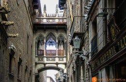 Cosas que hacer en Barcelona   Carrer Bisbe