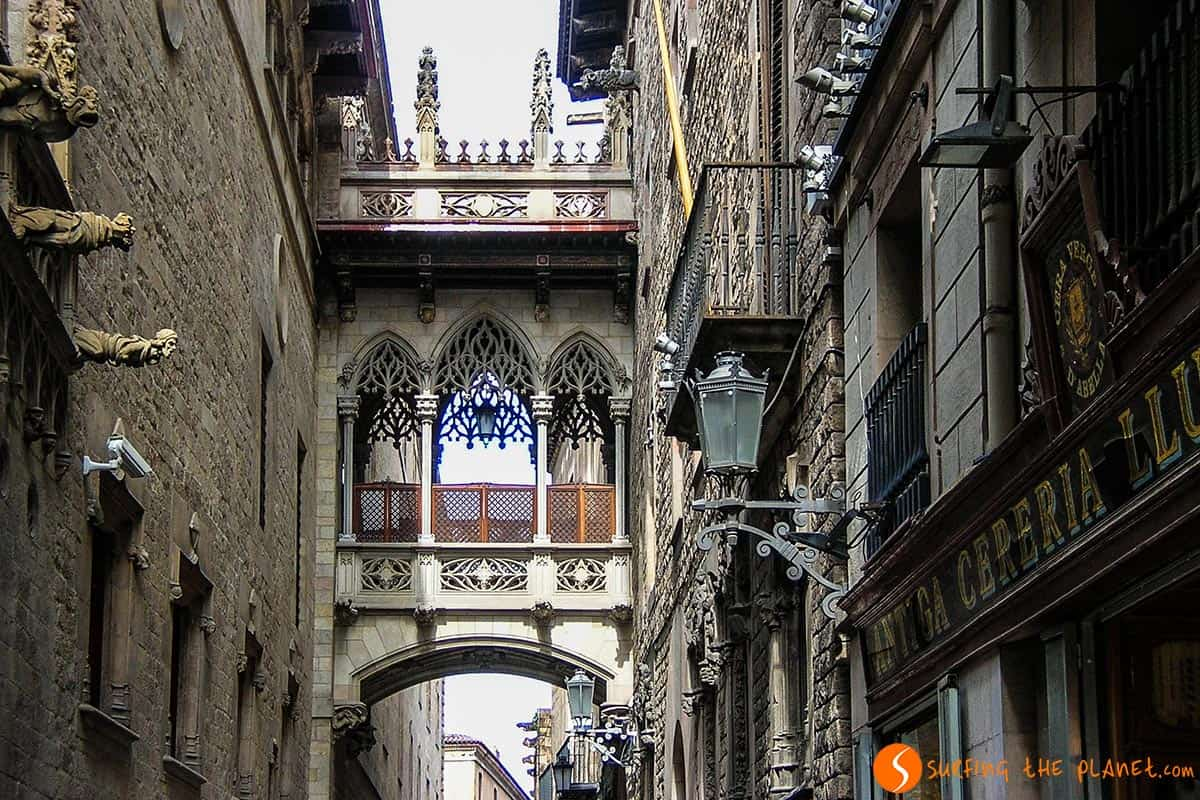 Things to do in Barcelona| Carrer Bisbe