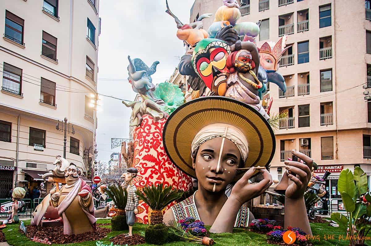Falla grande en las fiestas de las Fallas de Valencia