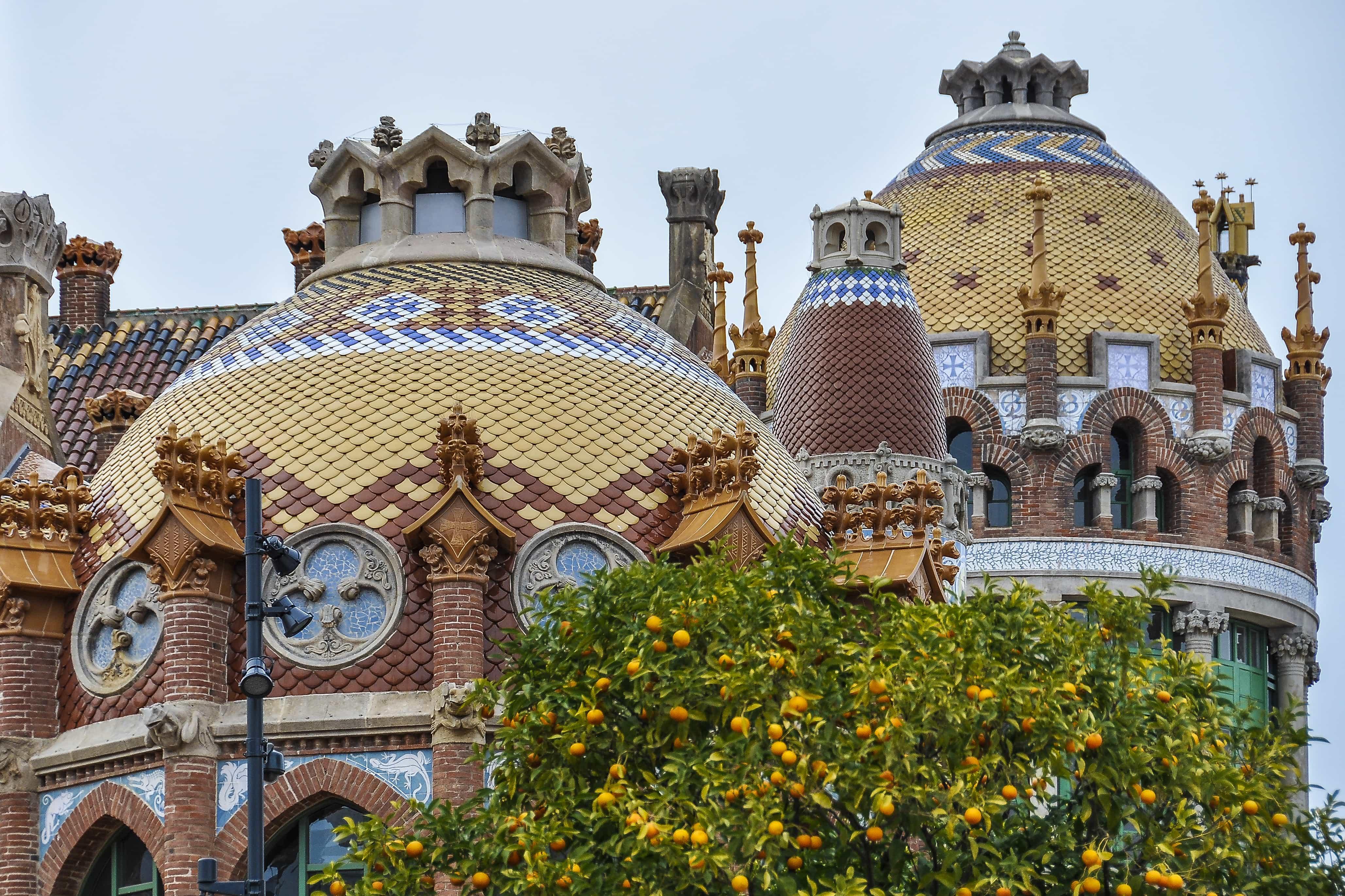 Techos de colores Hospital San Pau |que hacer en Barcelona