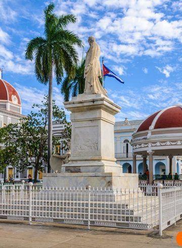 Plaza Jose Marti Cienfuegos. Itinerario 15 días Cuba