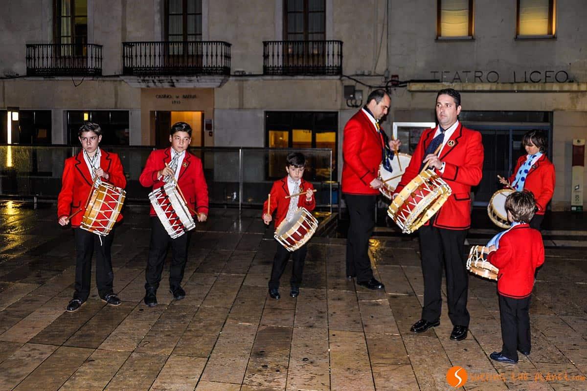 Coliblancos con tambores en Baena | Semana Santa en Andalucía