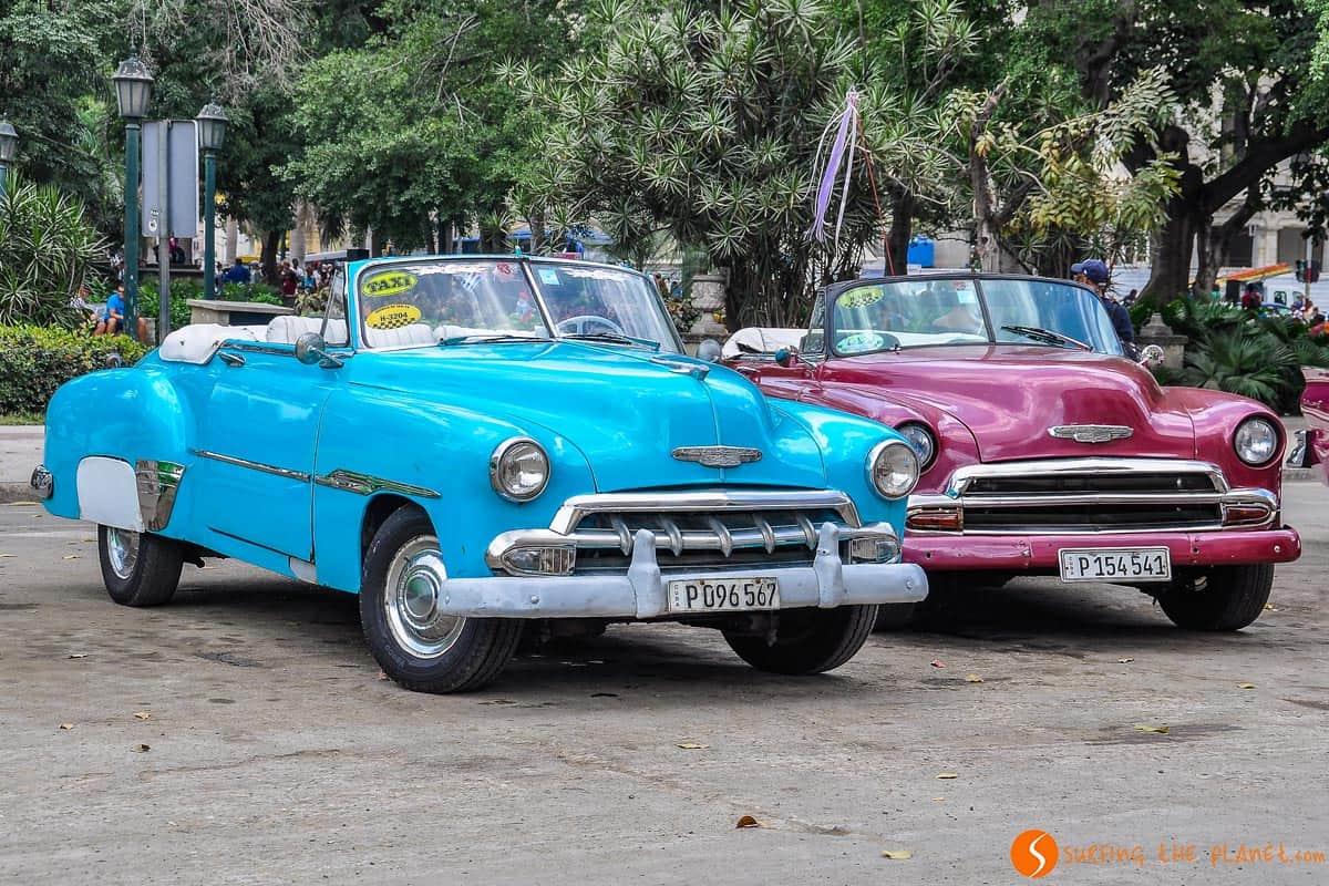 Coche época para hacer tour en La Habana