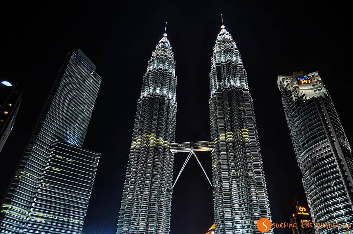 Las Torres Petronas iluminadas, Kuala Lumpur, Malasia