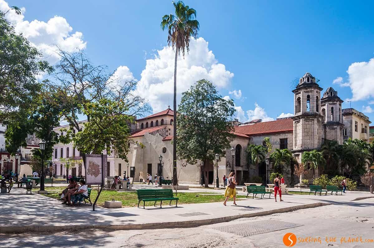 Plaza Cristo en La Habana | Que hacer en Cuba