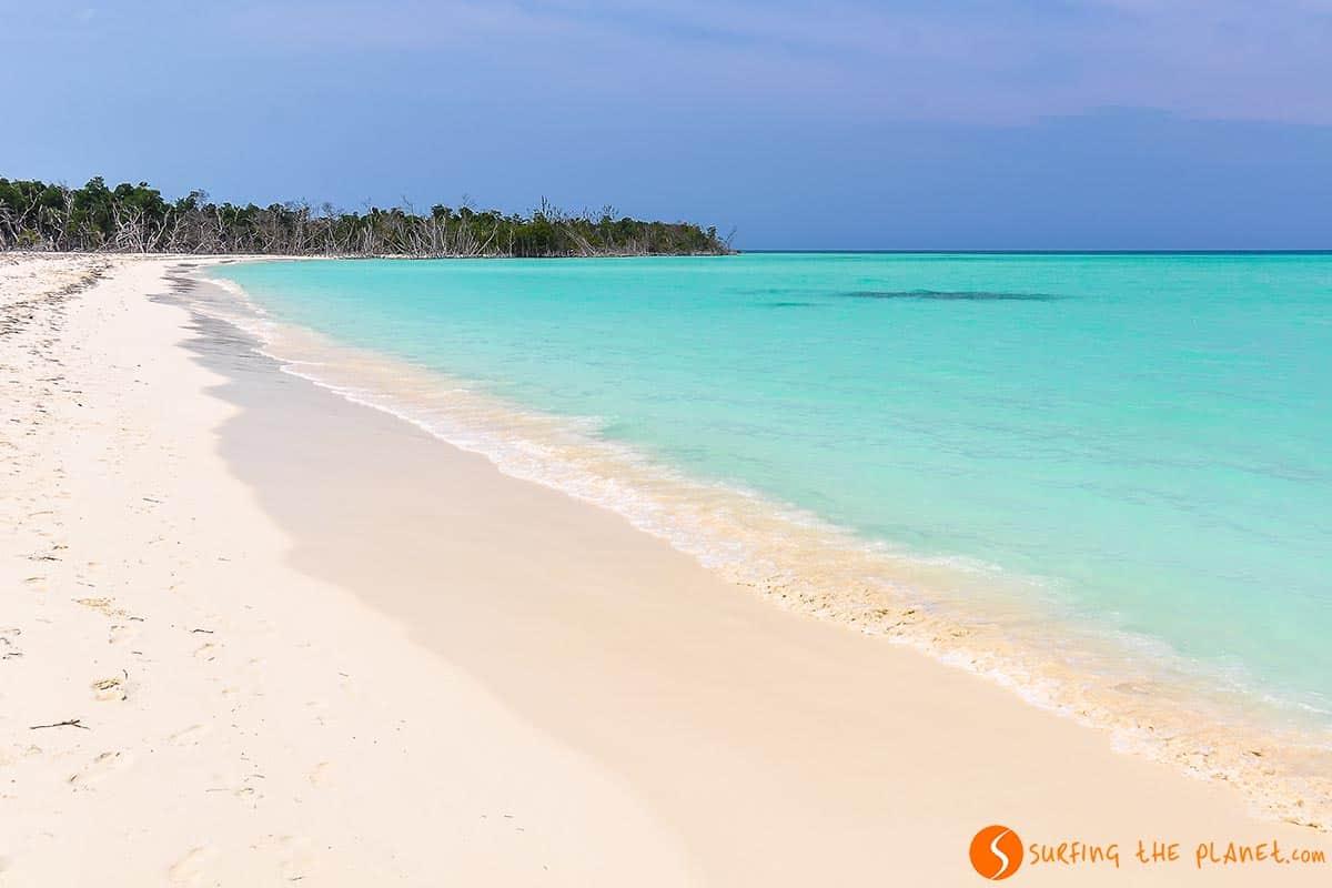 playa-cayo-levisa-cuba-traveling-to-cuba