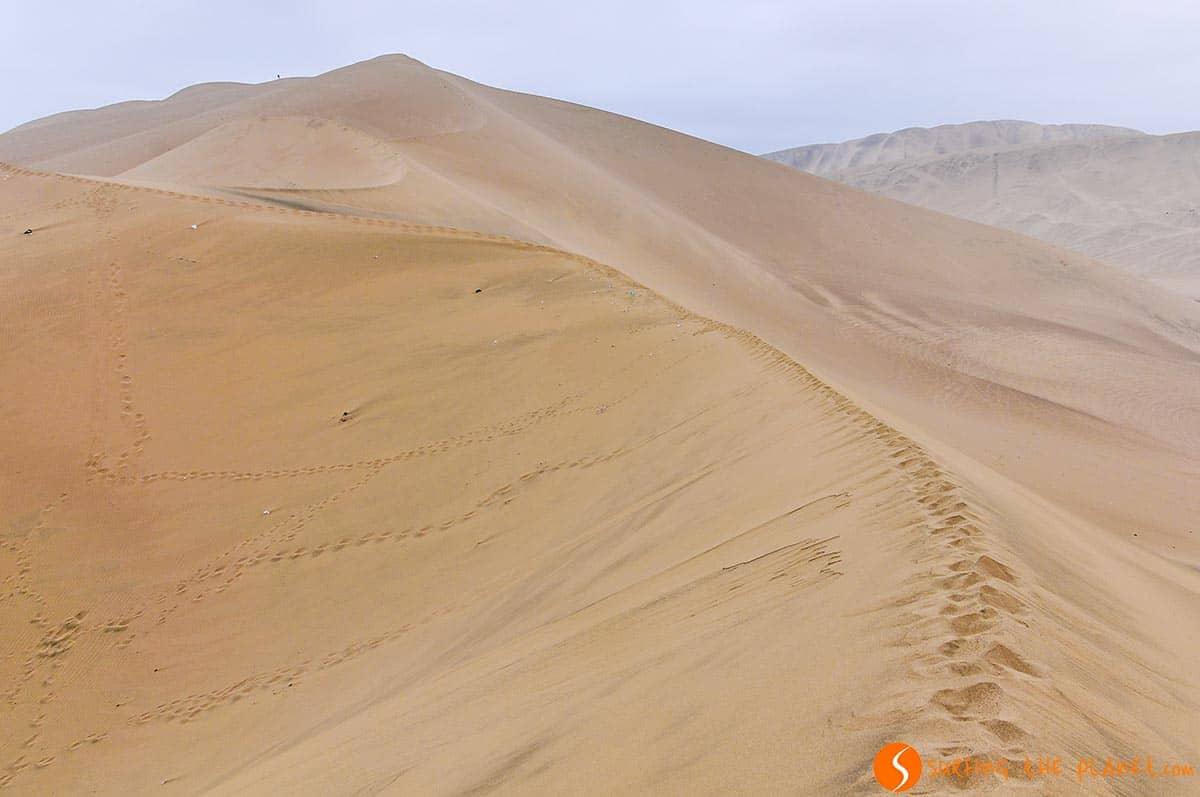 Dunas de arena, Desierto de Huacachina, Peru