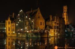 Muelle de Rosario de noche, Brujas, Belgica