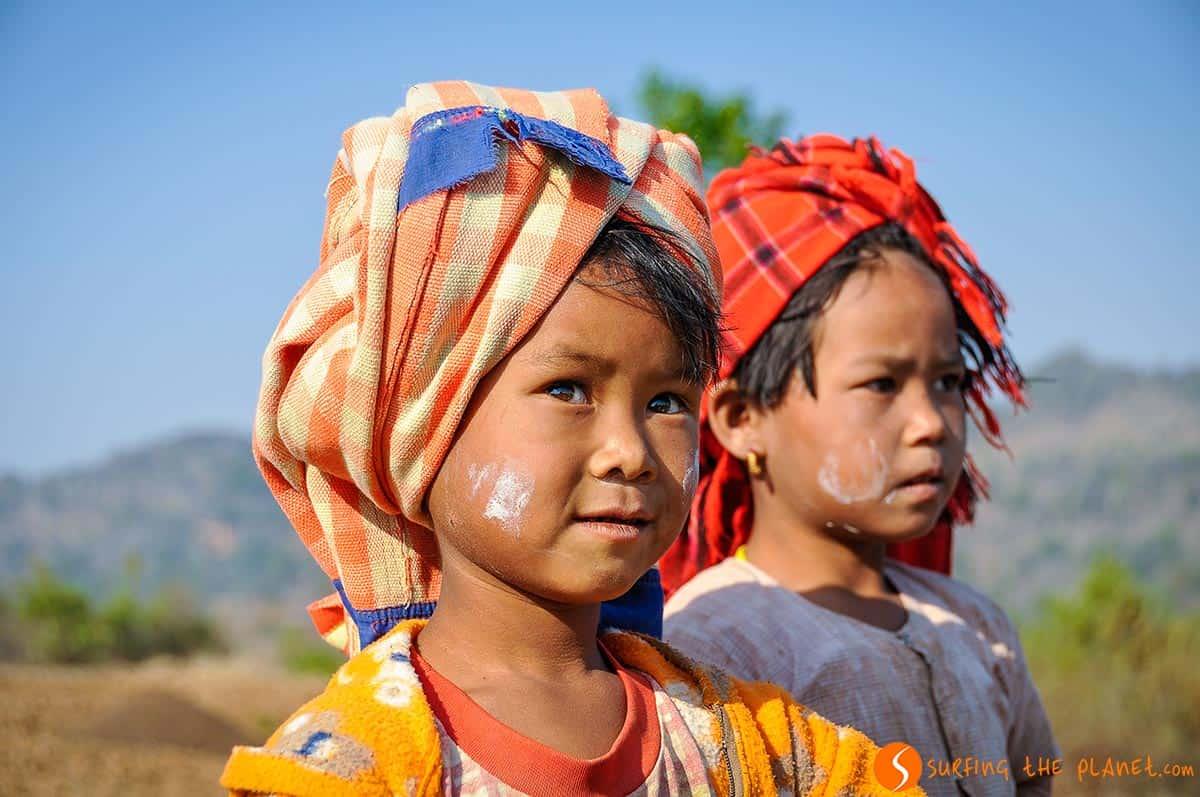 Chicos, Trekking hacia Inle Lake, Myanmar
