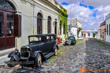 Coche negro de época, Colonia del Sacramento, Uruguay