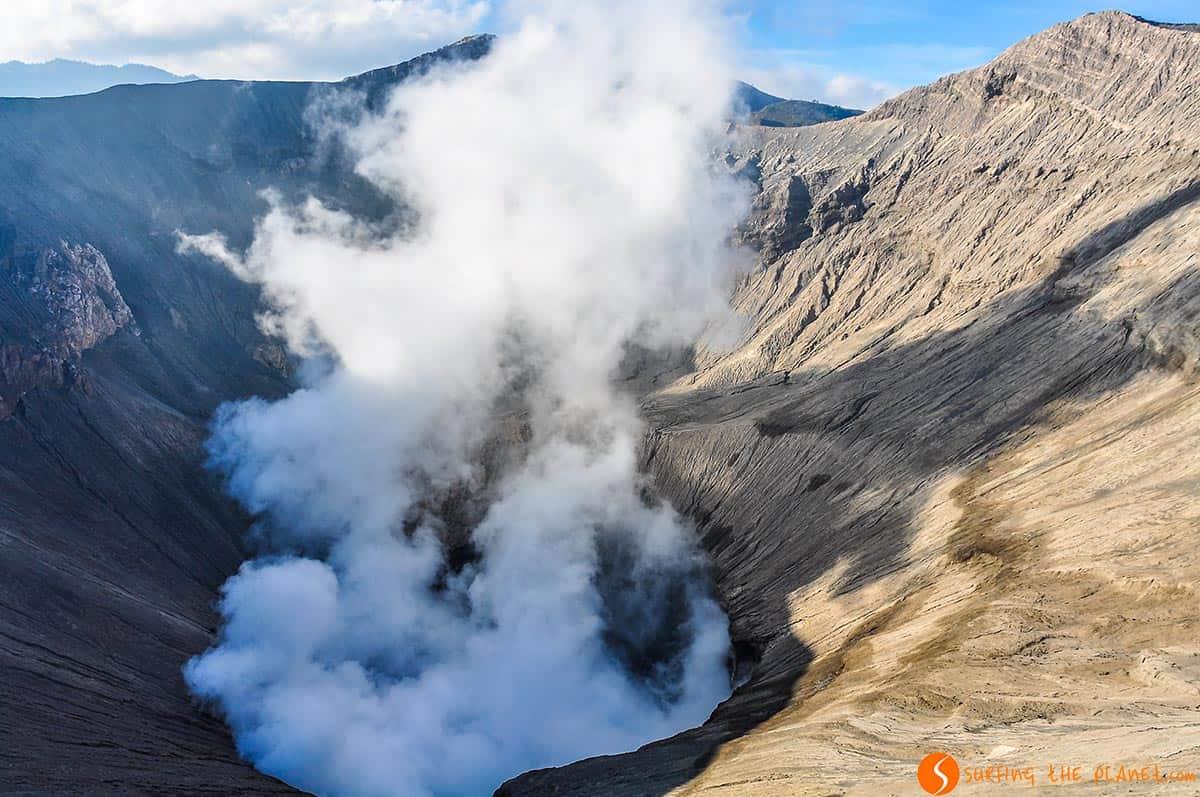 Fumarola de Volcan Bromo, Java, Indonesia | Viajar a Indonesia