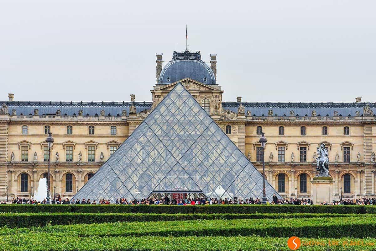 Piramide, Louvre, Paris, Francia | que visitar en Paris en 4 días