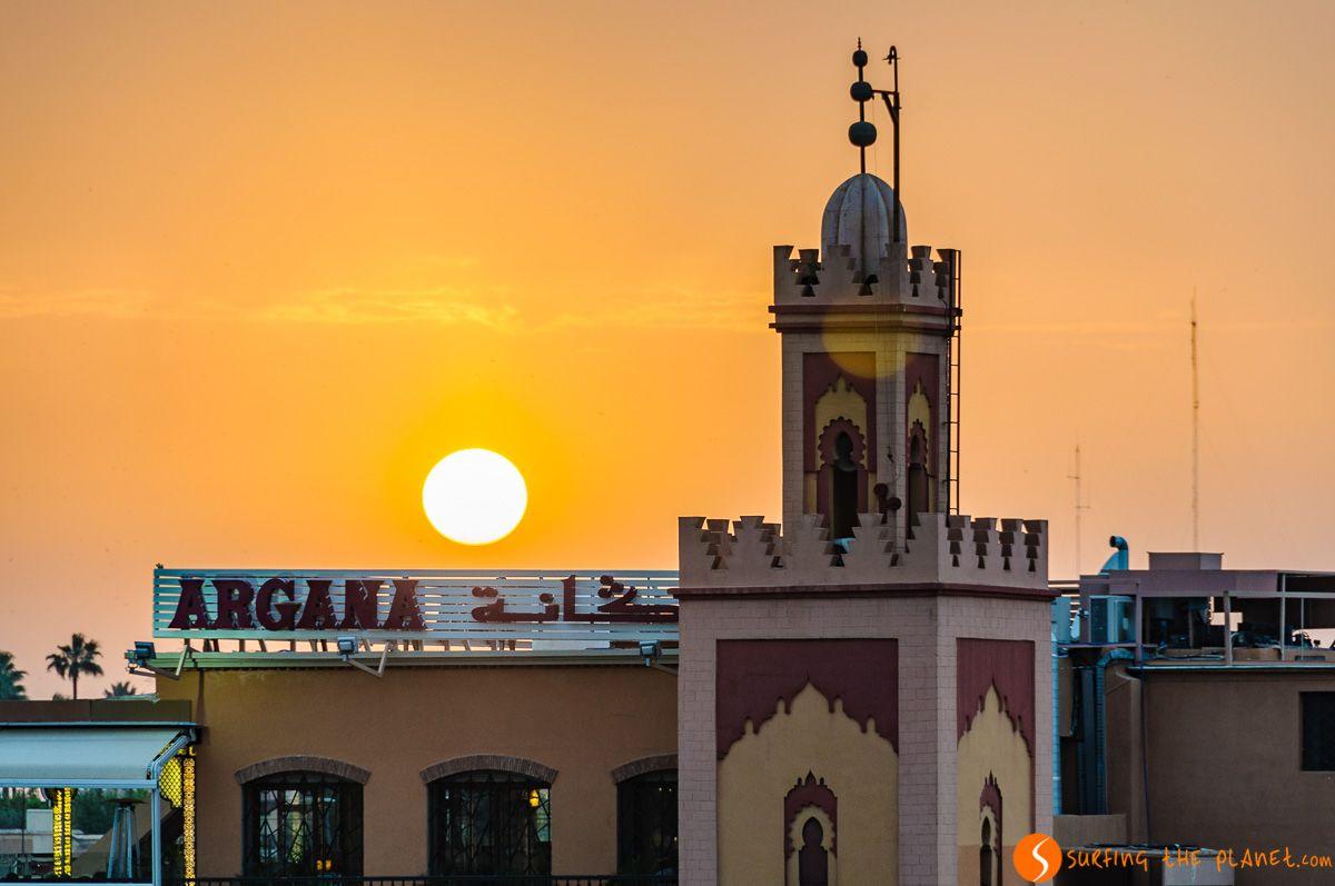 Atardecer en la Plaza Djemma El Fna, Marrakech, Marruecos