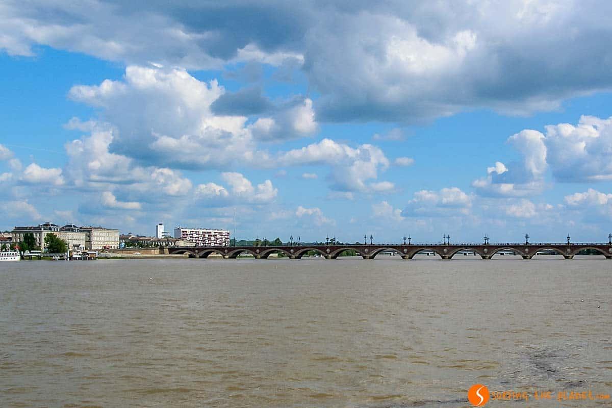 Puente moderno de Chaban-Delmas, Burdeos, Francia | Qué visitar en Burdeos y sus alrededores