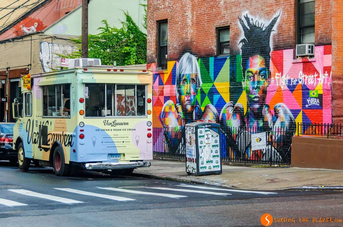 Graffiti en Avenida Bedford, Brooklyn, Nueva York | Qué hacer en Brooklyn