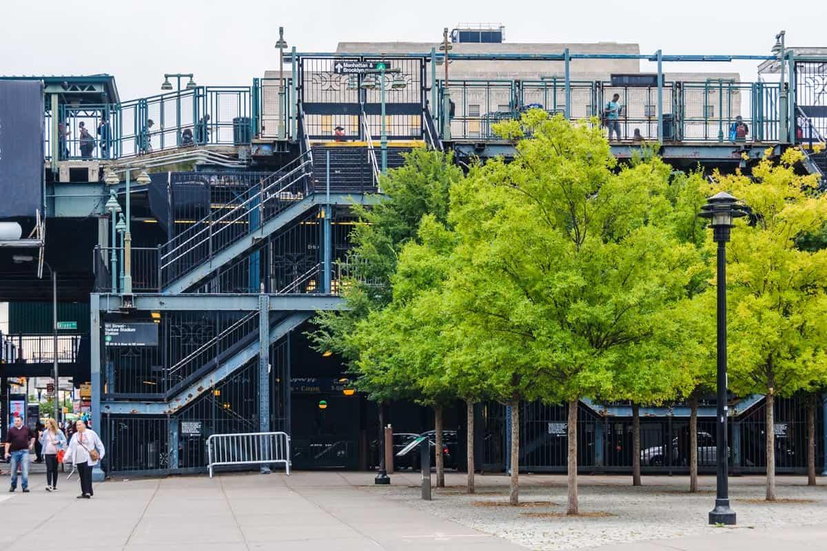 Estación de metro, El Bronx, Nueva York | Excursión de contrastes en Nueva York