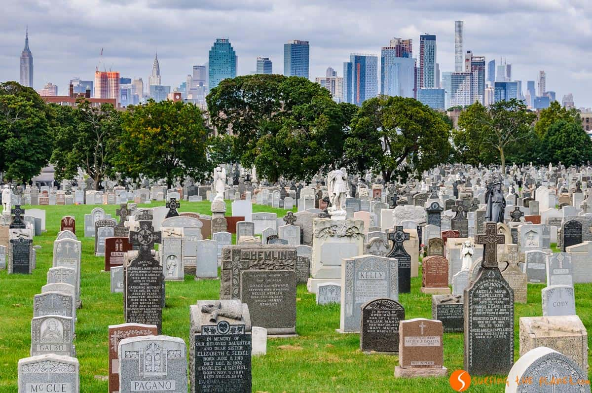 View of the skyline from Cavalry Cemetery, New York | Images of Nueva York, the best views of the skyline