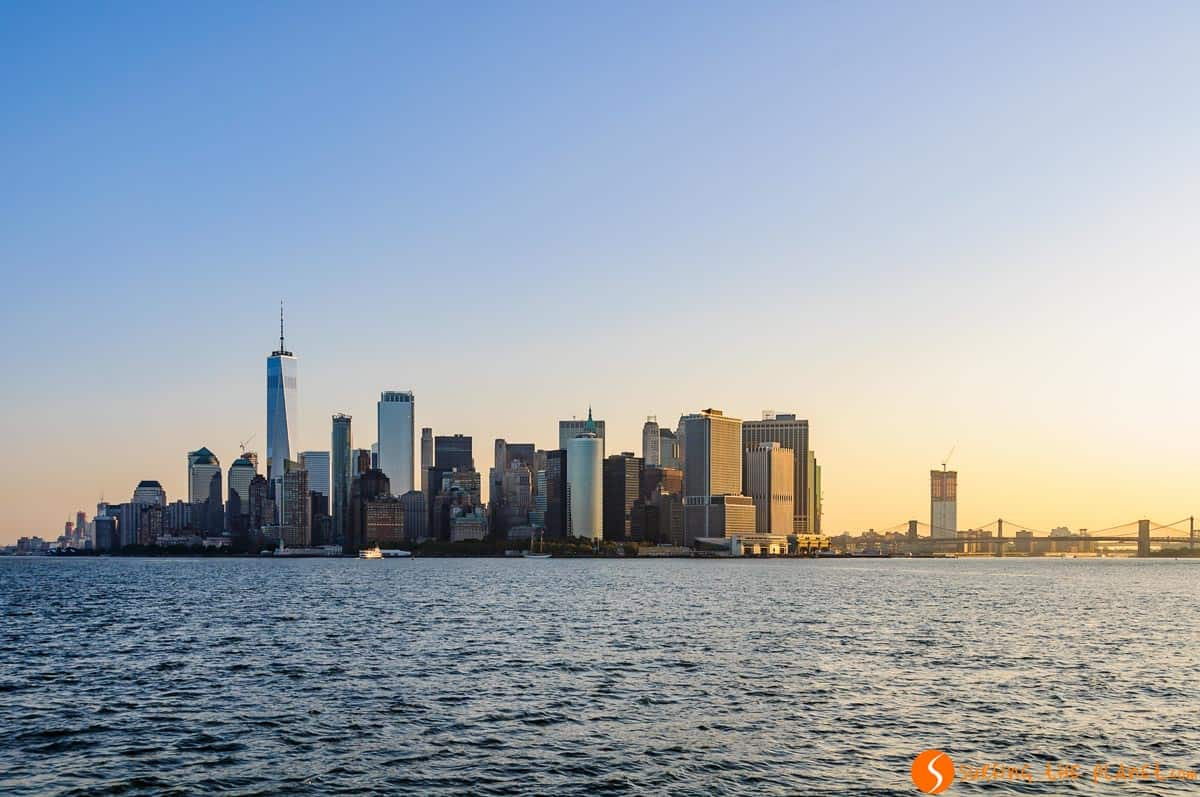 View of Manhatan from Staten Island Ferry, New York | The best views of the skyline in New York